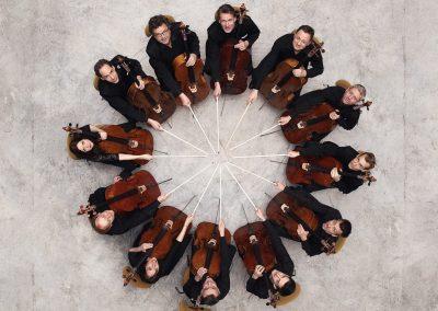 Foto de los 12 Cellistas de la Filarmónica de Berlín